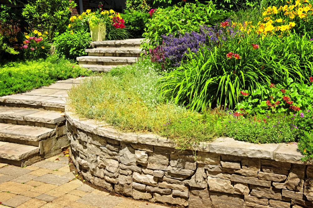 mur en pierre délimitation